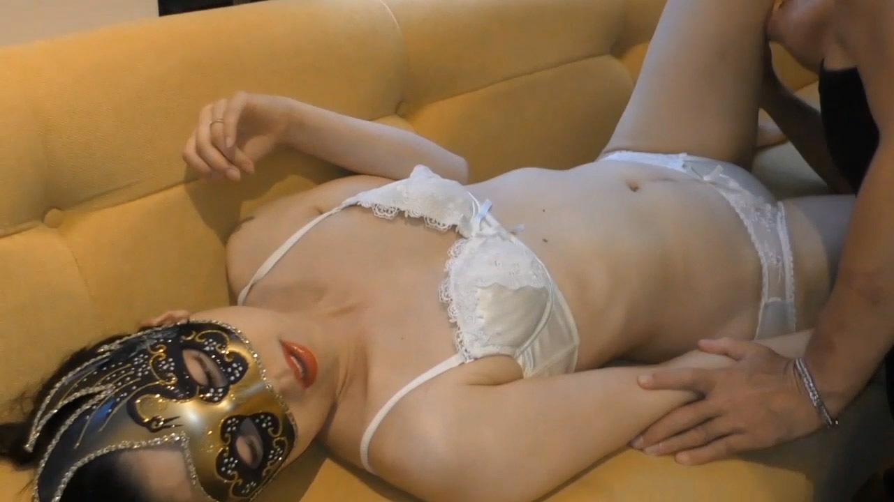FC2 PPV 1634443 【個人撮影・セット販売】43歳熟女妻の体は熟れ尽くした後の輝きに満ちて 完全版